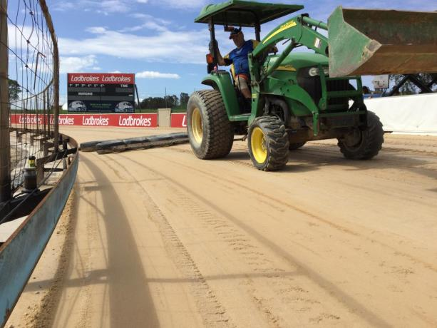 Track Sand Selection